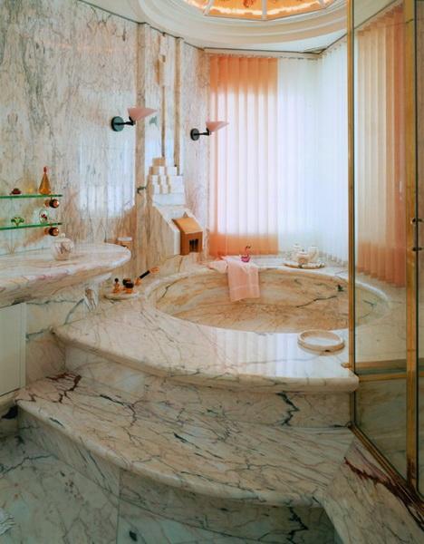 vasca e rivestimento in marmo rosa portogallo montecchi marmi e graniti new york